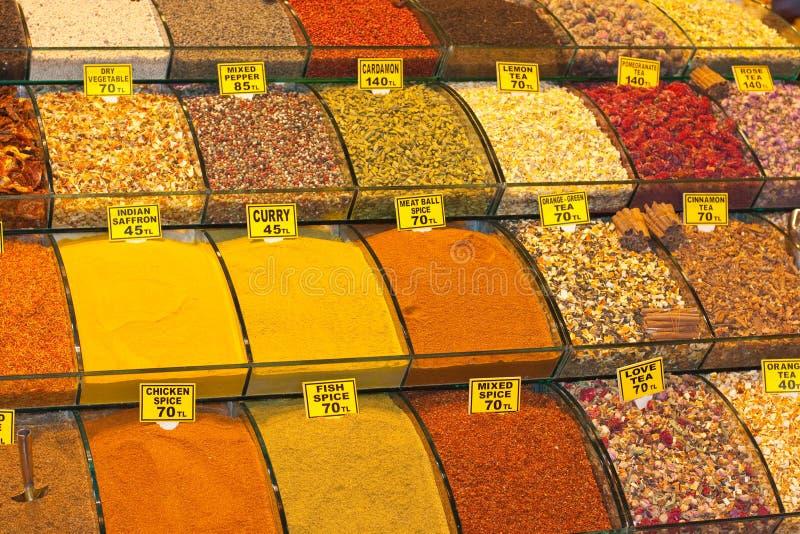 Especiarias no bazar da especiaria foto de stock royalty free