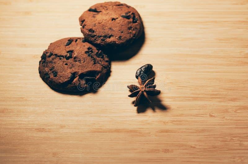 Especiarias que decoram cookies imagem de stock