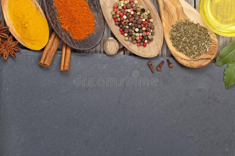 Especiarias secas sortidos fotografia de stock royalty free