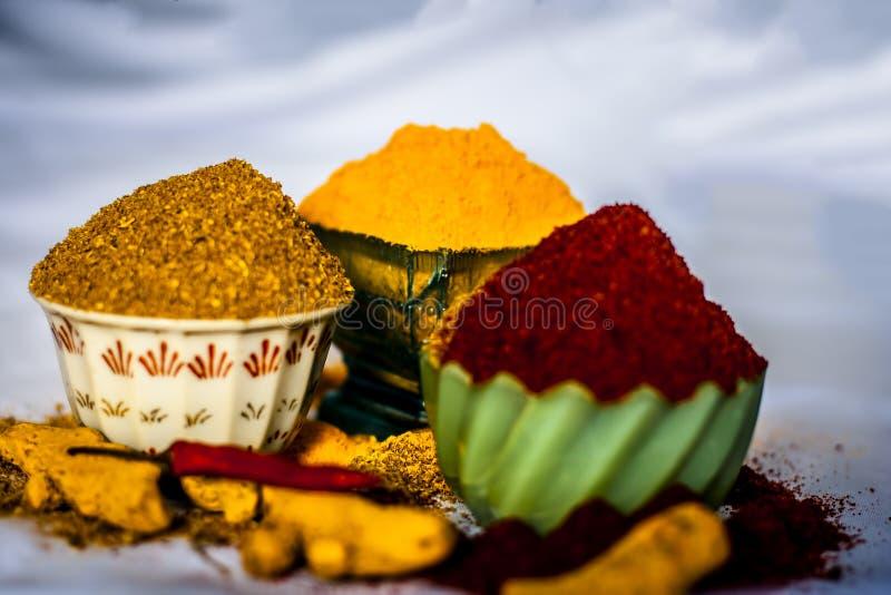 Especias básicas de la comida india y asiática imágenes de archivo libres de regalías