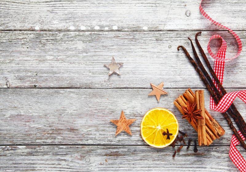 Especias decorativas de la Navidad foto de archivo