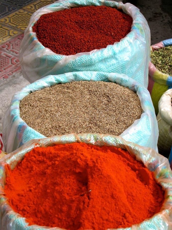 Especias del mercado de Otavalo en Ecuador imágenes de archivo libres de regalías