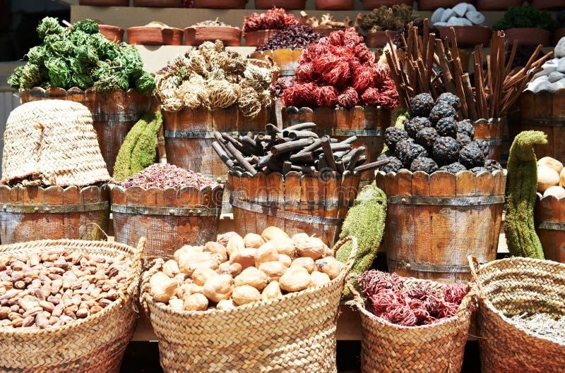 Download Especias En El Mercado Callejero Del Este Imagen de archivo - Imagen de fruta, italiano: 44853097