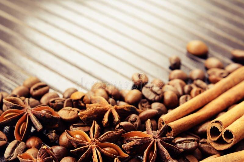 Especias y café fragantes imágenes de archivo libres de regalías