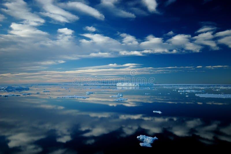 Espejo antártico fotografía de archivo libre de regalías