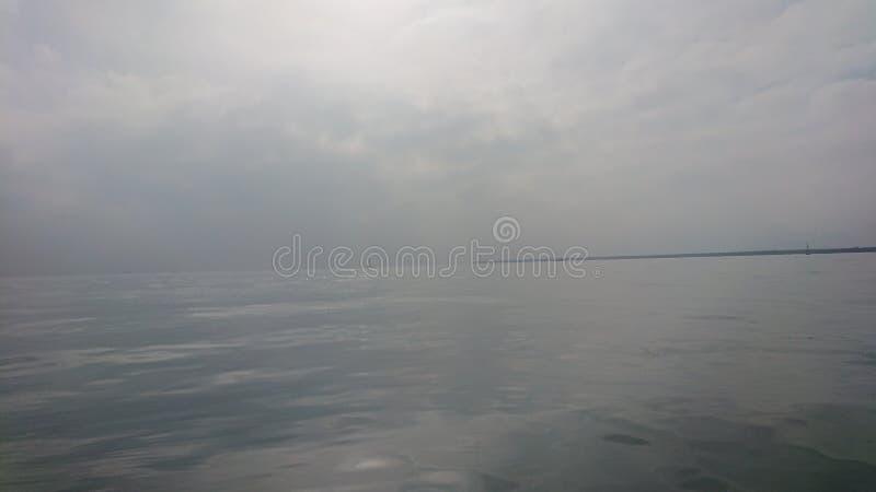 Espejo del mar fotos de archivo