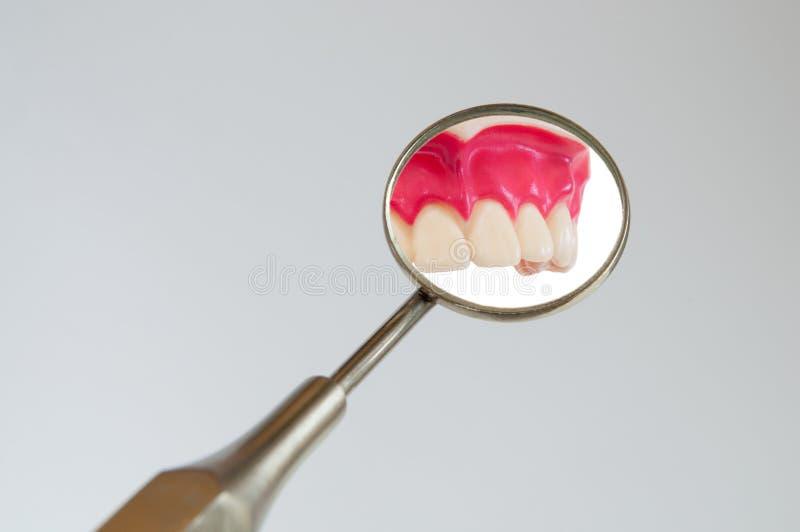 Espejo dental fotografía de archivo