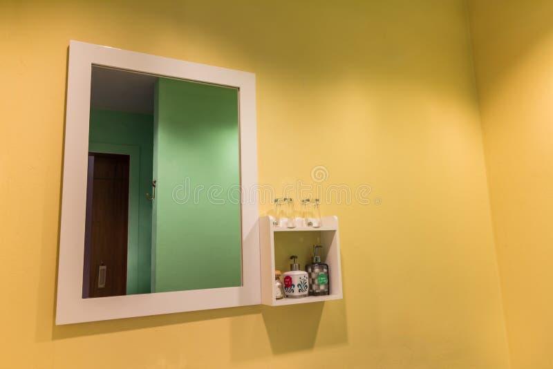 Espejo grande de pared gallery of espejo de pared grande for Espejo grande pared