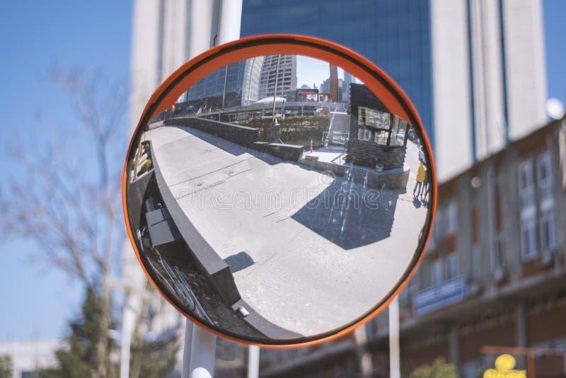Espejo posterior de la seguridad imagen de archivo