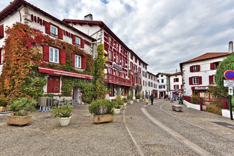 Espelette, Francja, Listopad 1, 2015 Espelette wioska w Francuskim fotografia royalty free