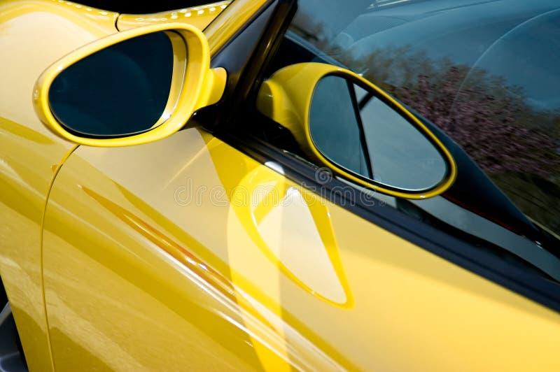 Espelho amarelo fotos de stock royalty free