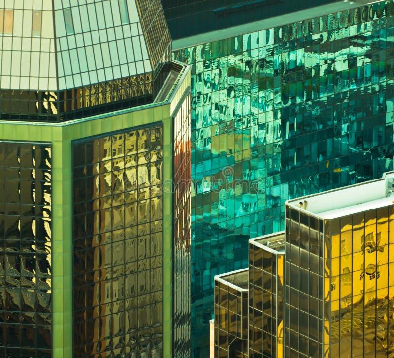 Espelho do prédio de escritórios imagem de stock royalty free