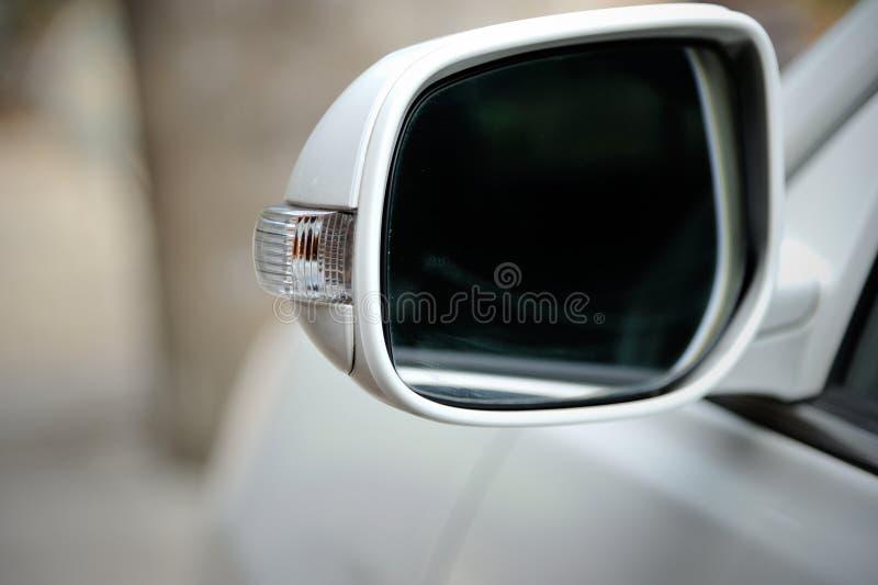 Espelho retrovisor do lado esquerdo imagem de stock royalty free