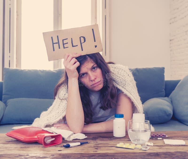 Esperienza Coronavirus preoccupata per l'isolamento di una donna malata immagini stock