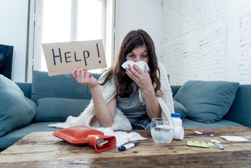 Esperienza Coronavirus preoccupata per l'isolamento di una donna malata fotografie stock libere da diritti