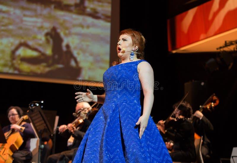 Espetáculo que caracteriza Filharmonia Futura e M Walewska - Opera é vida foto de stock royalty free