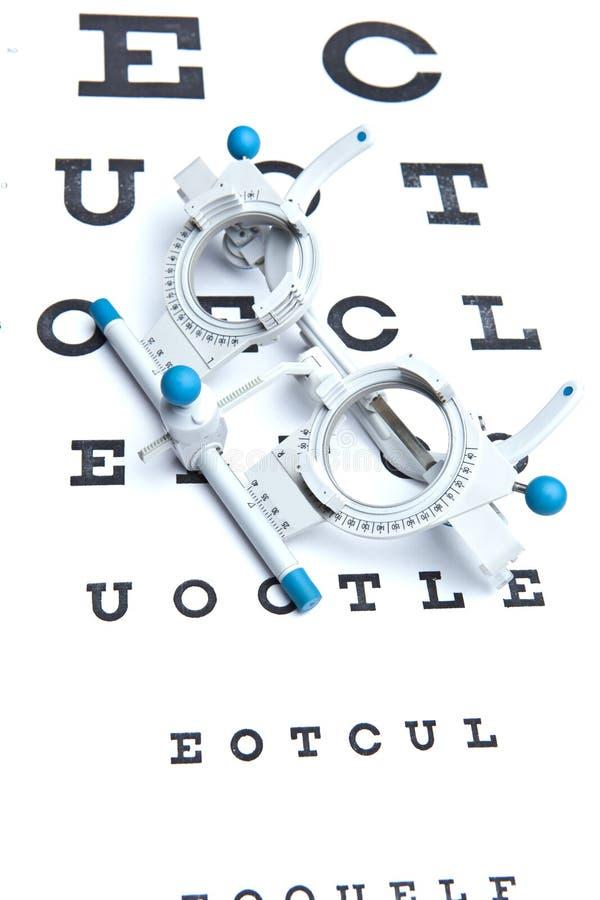 Espetáculos da vista & carta de olho de medição fotografia de stock royalty free