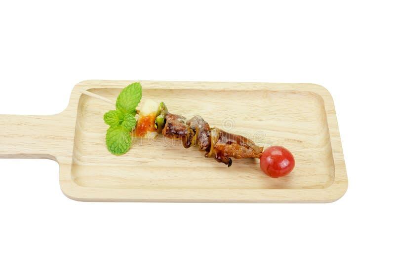 Espeto de carne e de vegetais misturados, trajeto de grampeamento fotografia de stock