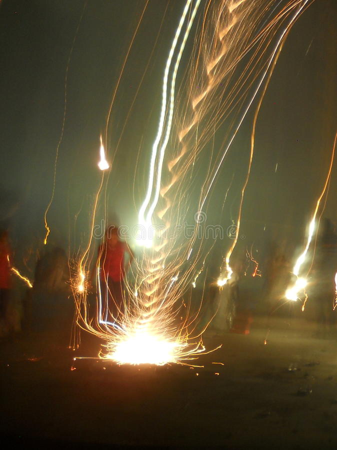 Espiral do fogo de artifício fotos de stock