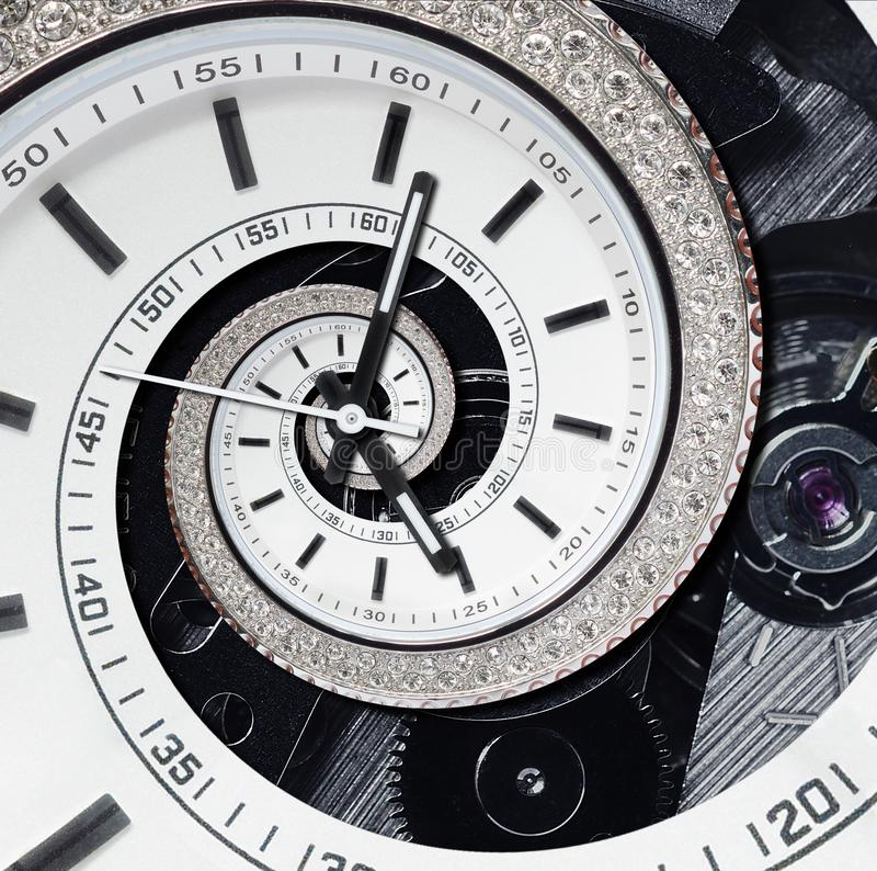 Espiral surreal do fractal branco moderno futurista do sumário do relógio de pulso de disparo do diamante dos strass Teste padrão imagem de stock royalty free