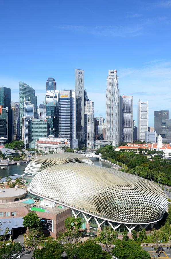 Esplanada teatry na zatoce z Singapur miastem obraz royalty free