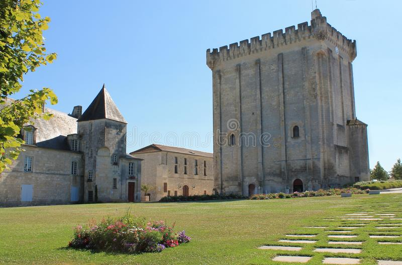 Esplanade du Chateau), Pons ( France ). The site formerly occupied by the mighty fortress of the Sires of Pons is now essentially a vast esplanade turned into a stock image