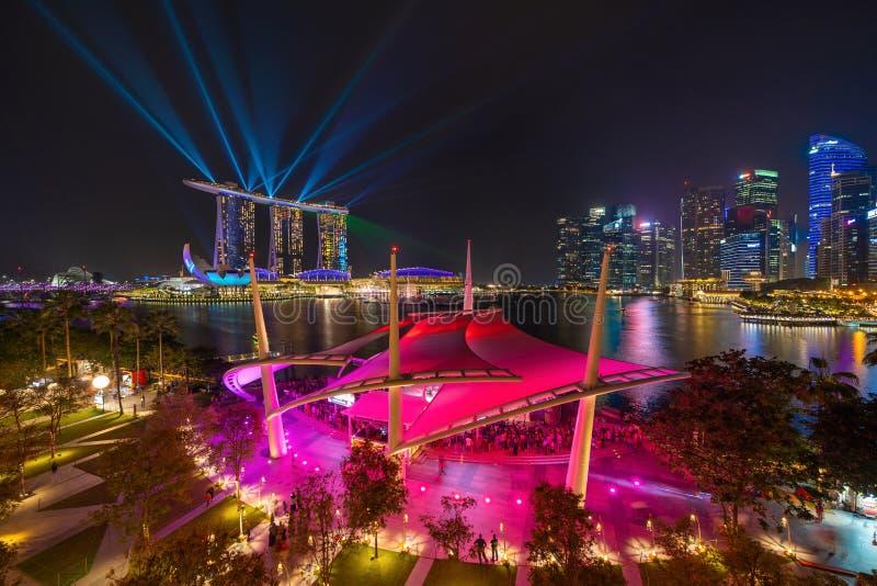 Esplanady Theatre plenerowy w W centrum Singapur mieście Marina Podpalany teren Pieniężni okręgu i drapacza chmur budynki przy no fotografia stock