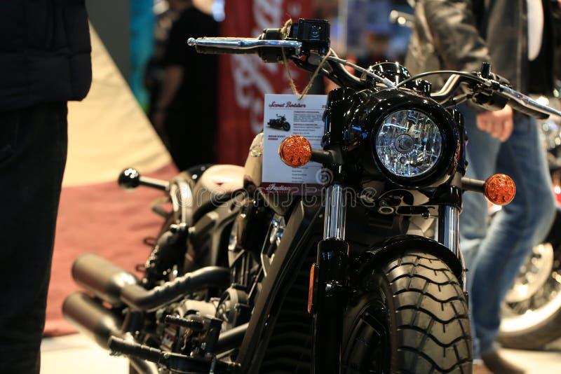 Esploratore indiano Bobber del motociclo 2018 alti vicini del nero Front View fotografie stock libere da diritti