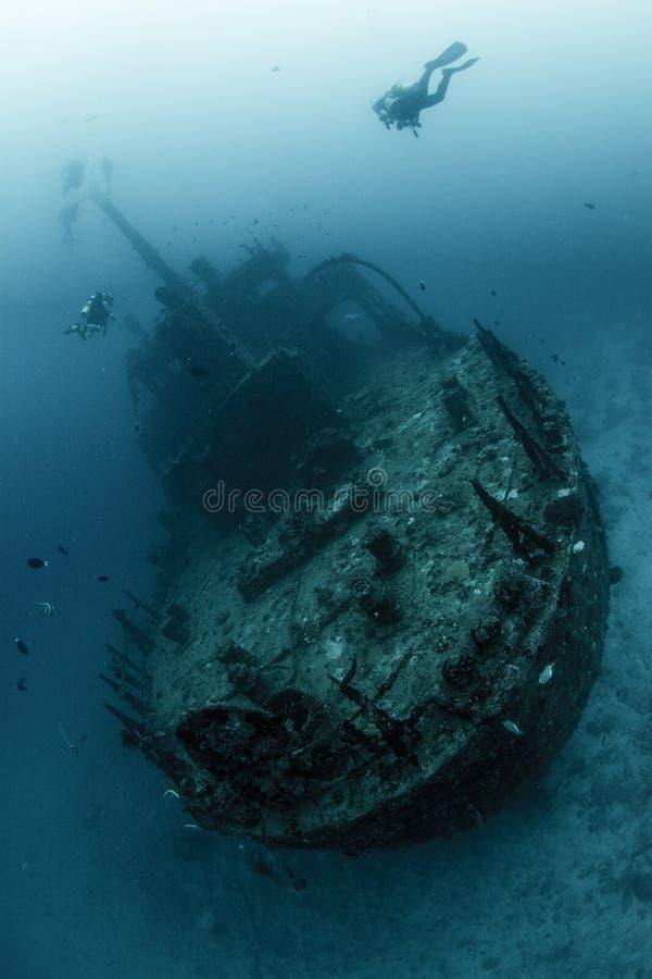 Esplorazione incavata del naufragio immagini stock