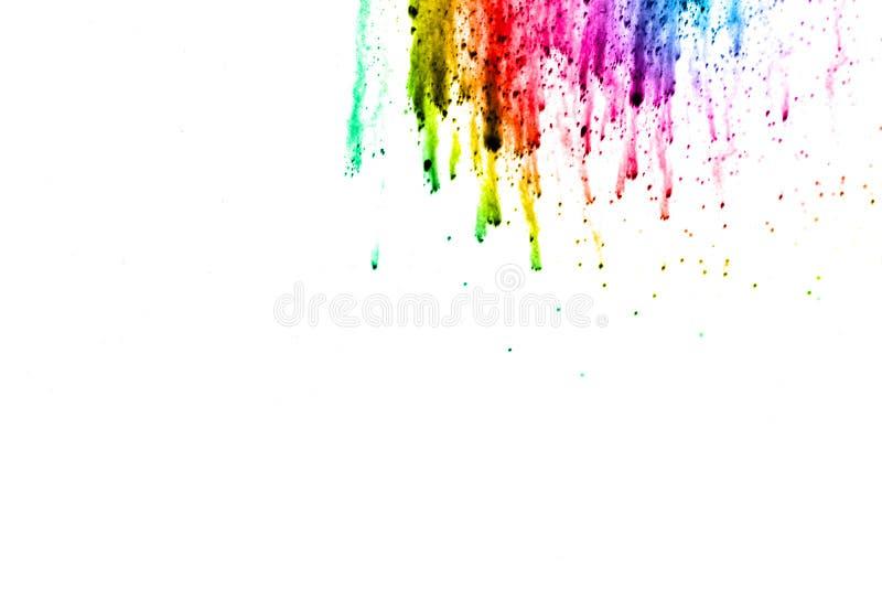 Esplosione della polvere di colore isolata su fondo bianco fotografia stock libera da diritti