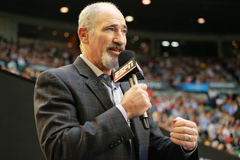 ESPN分析家布莱德吉尔伯特评论澳网2016年在罗德・拉沃竞技场的半决赛 免版税库存照片