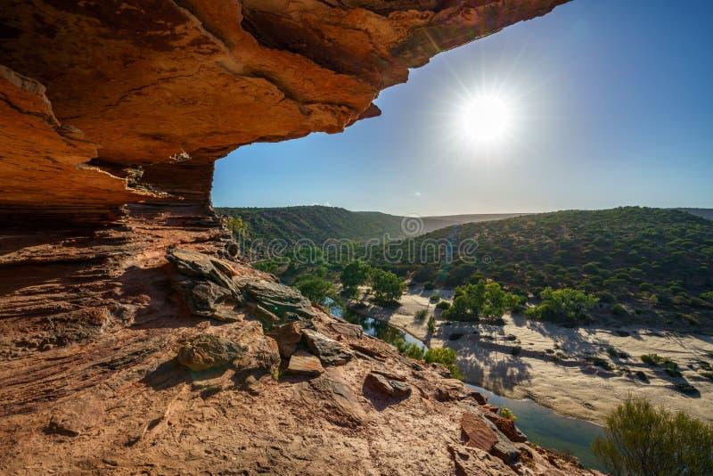 Esponga al sole sopra la traccia del ciclo della finestra delle nature, il parco nazionale di kalbarri, l'Australia occidentale 1 fotografia stock libera da diritti