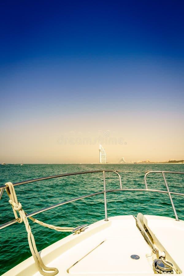 Esporte de barco em Dubai imagens de stock royalty free