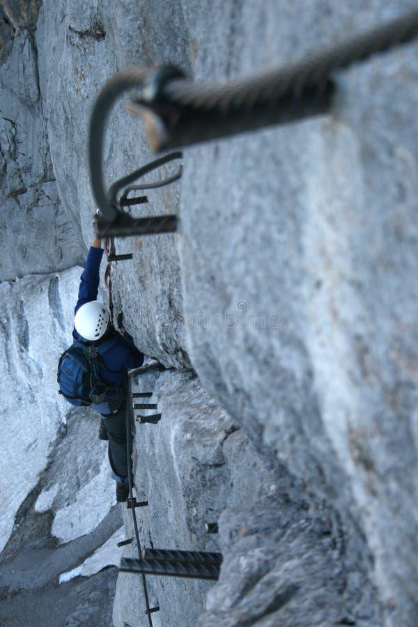 Esporte extremo - escalada de rocha fotografia de stock