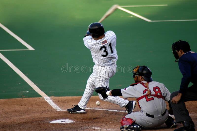 Esportes: Batida do basebol fotos de stock royalty free
