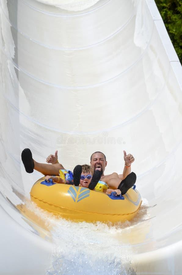 Esportes de água do feriado da família O Mar Negro fotos de stock royalty free