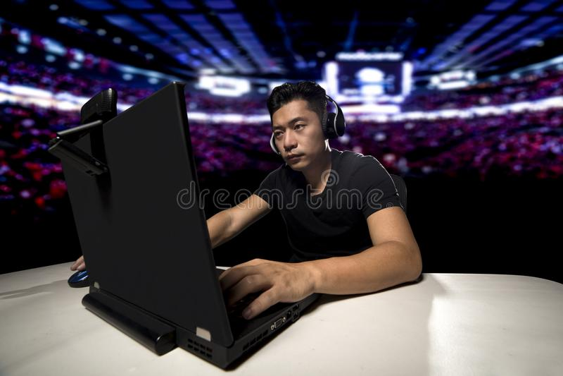ESports επαγγελματικό ανταγωνιστικό Gamer στοκ φωτογραφία με δικαίωμα ελεύθερης χρήσης