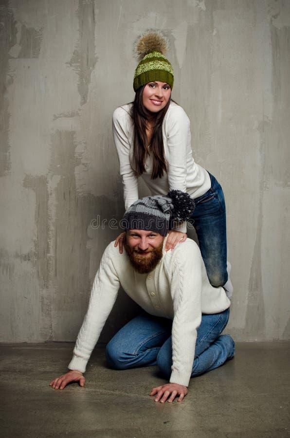 Esposa e marido nos tampões foto de stock