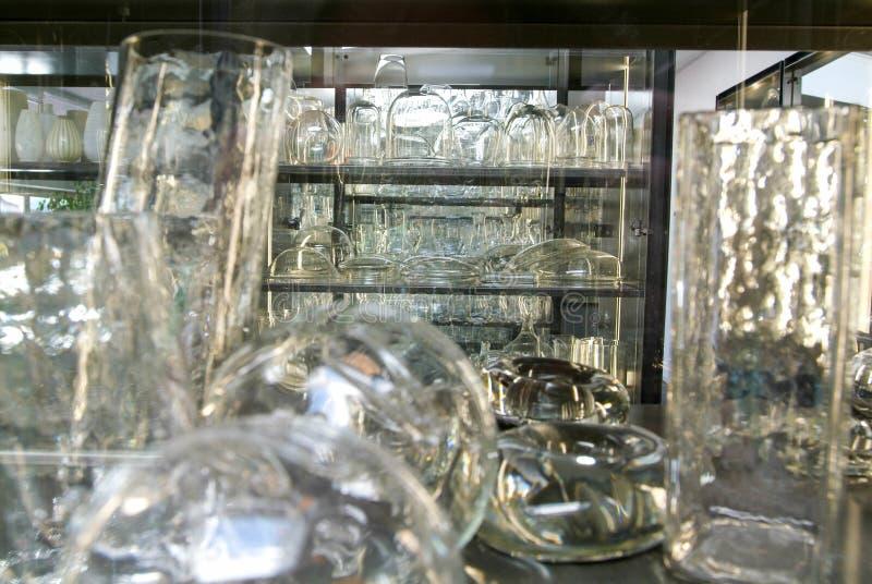 Esposition von Gläsern an der Industrie von Glasi Hergiswil lizenzfreies stockfoto