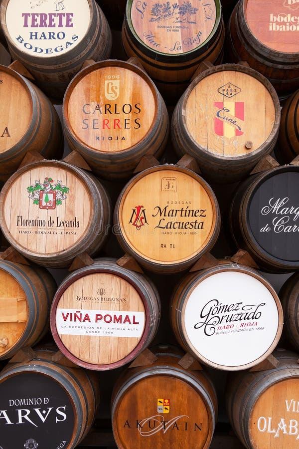 Esposizione del barilotto di vino della quercia, strada rialzata, La Rioja fotografia stock libera da diritti