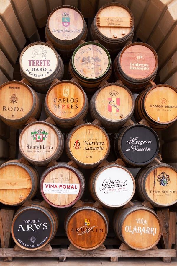 Esposizione del barilotto di vino della quercia, strada rialzata, La Rioja fotografie stock libere da diritti