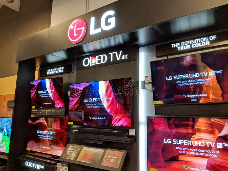 Esposizione del LG OLED TV 4K TV dentro Best Buy fotografie stock