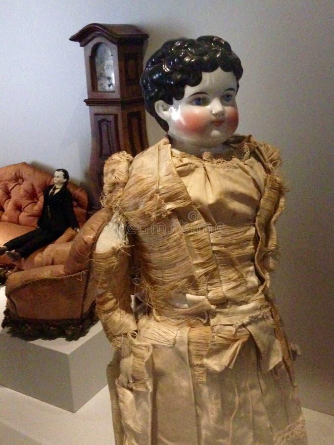 Esposizione del XVIII secolo della bambola della Cina nel museo della bambola nel Rocca di Angera, Italia fotografie stock libere da diritti