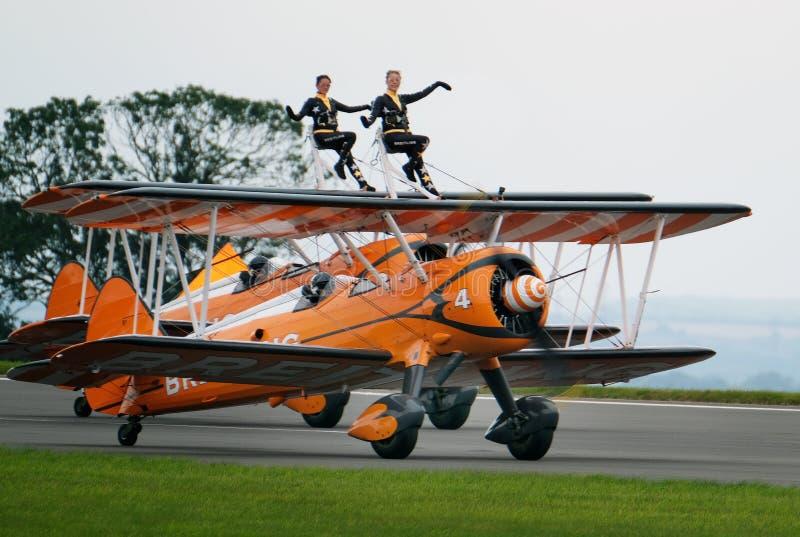 Esposizione di camminata dell'ala con i biplani di Boeing Stearman immagini stock