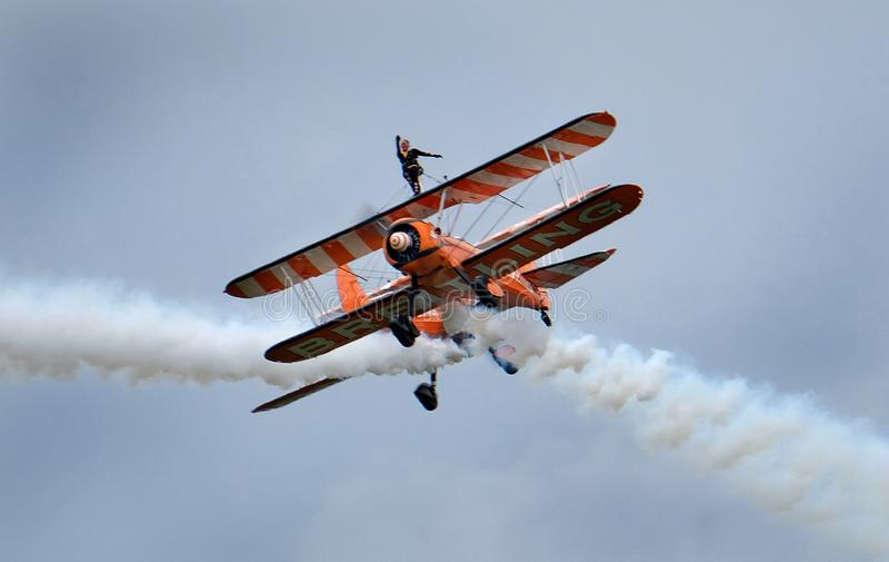 Esposizione di camminata dell'ala con i biplani di Boeing Stearman fotografia stock libera da diritti