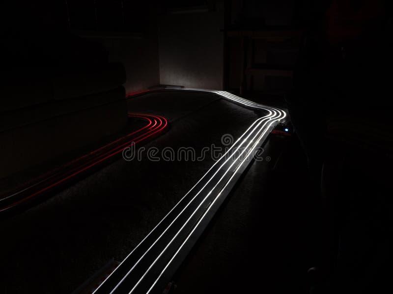 Esposizione lunga della pittura leggera con le automobili di scanalatura fotografia stock libera da diritti