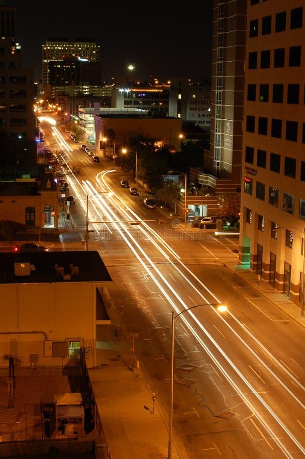 Esposizione lunga delle vie della città fotografia stock