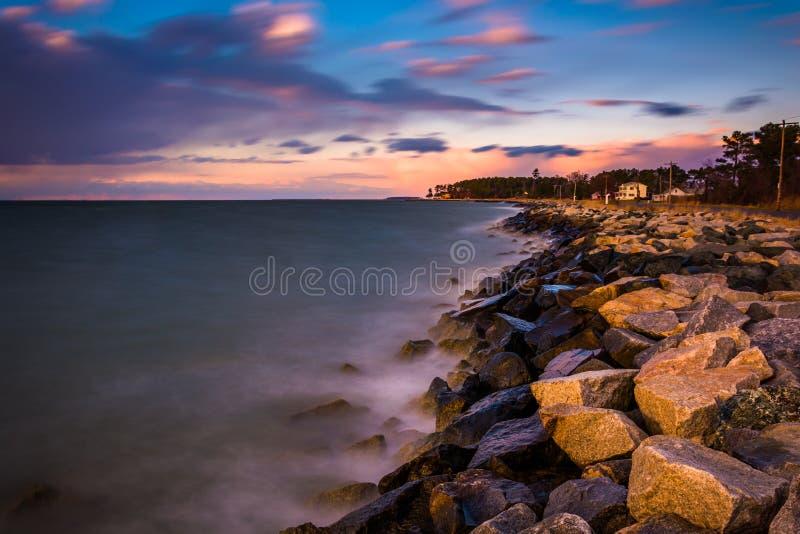 Esposizione lunga sulla baia di Chesapeake al tramonto, in Tilghman Islan fotografia stock