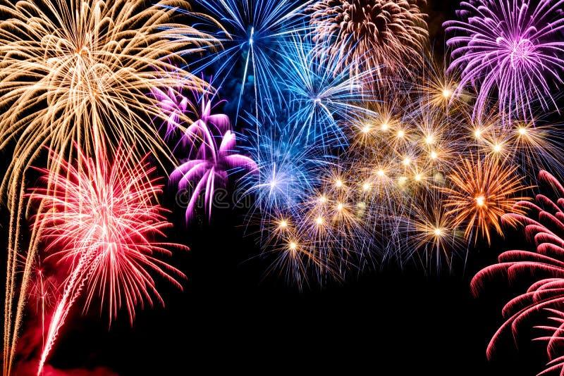 Esposizione splendida dei fuochi d'artificio fotografia stock libera da diritti