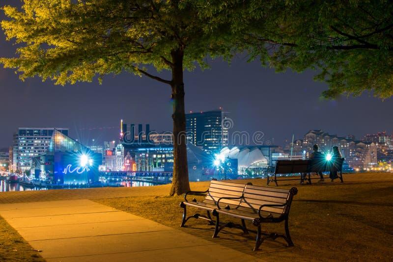 Esposizioni lunghe durante la notte sulla collina federale a Baltimora, m. immagine stock